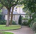 P1330734 Paris V rue du Val-de-Grace N7-9 batiments rwk.jpg