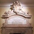 Palazzo dei conservatori, stemma e lapide clemente XII corsini.JPG
