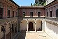 Palazzo ducale di gubbio, cortile 04.JPG