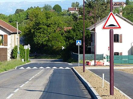 Panneau D Annonce De Ralentisseur De Type Dos D Ane En France