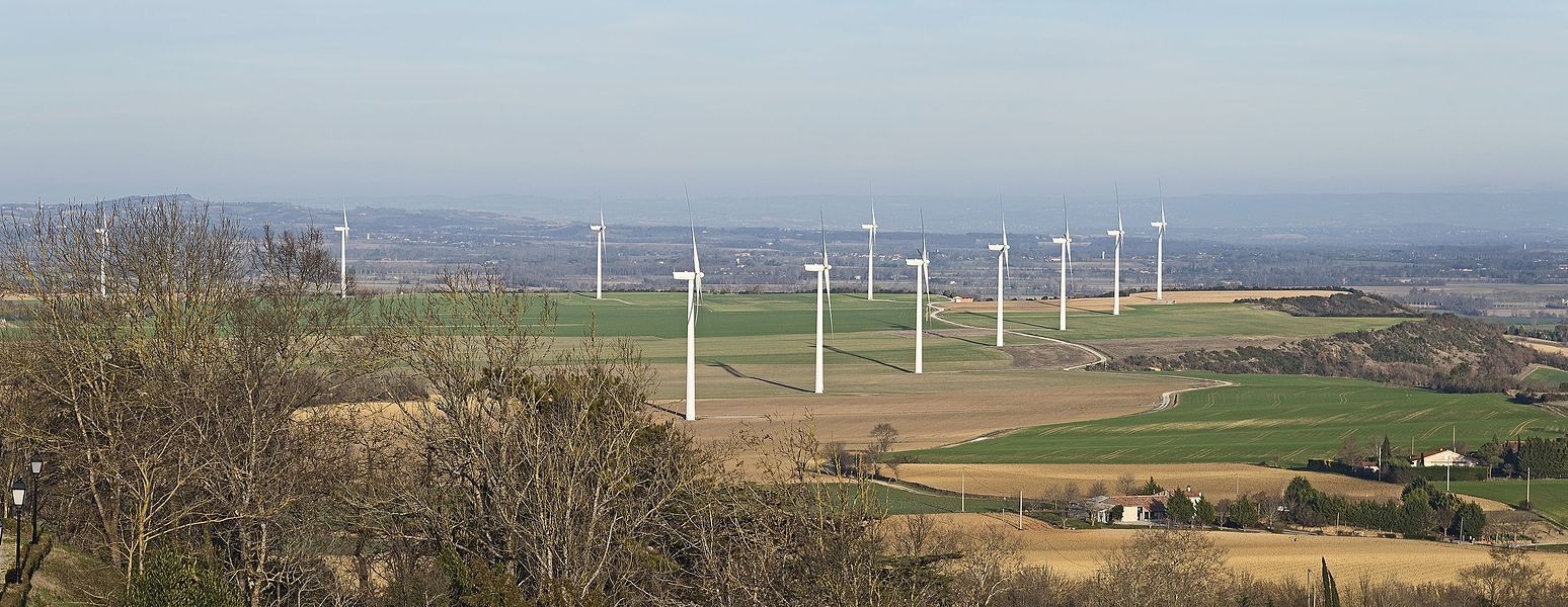 English:  Windfarm in Lauragais, consisting of 11 machines spread over three communes of Haute-Garonne: Saint-Félix-Lauragais, Roumens and Montegut-Lauragais.