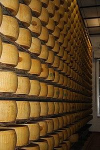 Parmigiano reggiano 8.JPG