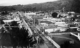 Mayor of Upper Hutt - Funeral procession for Mayor Peter Robertson along Main Street in 1939