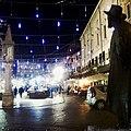 Piazza delle Erbe dal monumento ad Angelo Dall'Oca Bianca.jpg