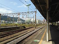 Platform of Nagasaki Station 20150926-3.JPG