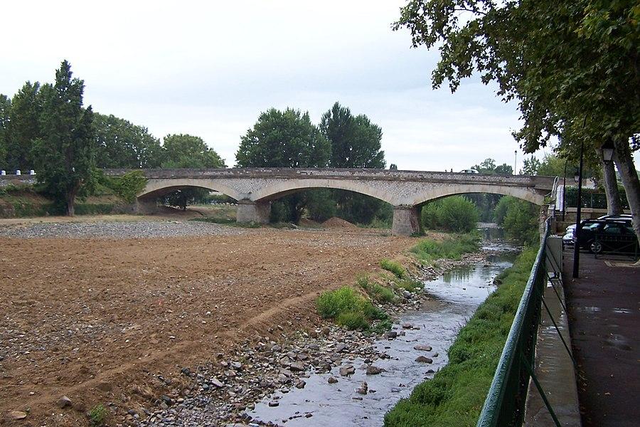 Pont sur la Cesse à Bize-Minervois.