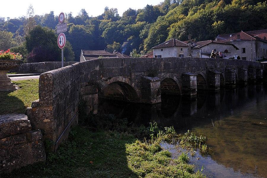 Pont sur le Saulx from 1557 in Rupt-les-Nonains, Monument historique; Meuse, France.