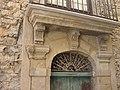 Portale di palazzo antico - via Fondachello - panoramio.jpg