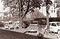 Pred mariborsko bolnišnico 1961 (5).jpg