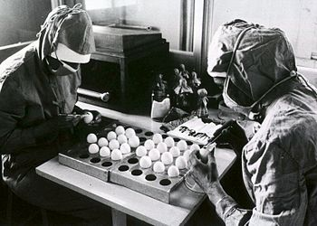 English: Preparation of measles vaccine at the...