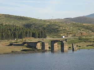 Alconétar Bridge - The relocated remains during a flood