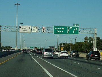 QEW, Advance Overhead sign.jpg