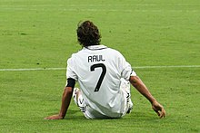 8925dd5aee8 Raúl wore the  7 shirt for Real Madrid between 1996 and 2010.