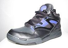 quality design cf38e ebf45 Modèles de chaussure modifier   modifier le code