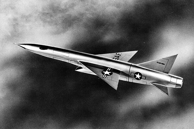 Ouvre boîte Republic XF-103 Thunderwarrior [Anigrand 1/72] 640px-Republic_XF-103_in_flight