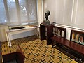 Reuven Rubin sculpture by Chana Orloff 3.jpg