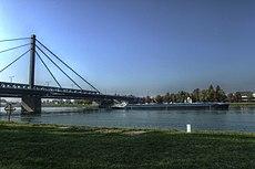 Rheinbrücke bei Maxau - panoramio (1).jpg