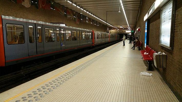 Ribaucourt metro station