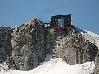 Cosmiques Hut