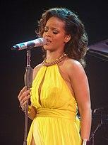 Rihanna - The Loud Tour - 25 (6936497043).jpg