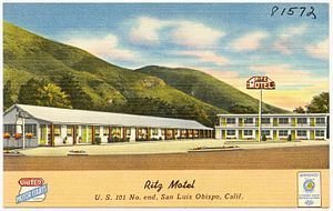 Referral chain - Motel postcard displaying the United Motor Courts badge