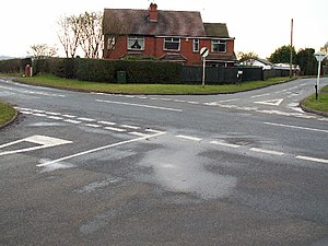 Stop and yield lines - Give Way lines in the UK