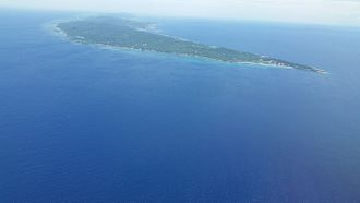 Roatán - Roatán looking southeast with West Bay on the right and Coxen Hole and Manuel Galvez airport in the upper middle.