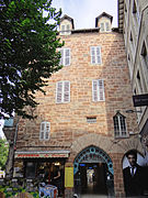 Rodez - Maison 2 carrefour Saint-Etienne Passage Mazel -01.JPG