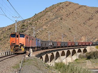 Groot River (Southern Cape) - Train approaching Laingsburg crossing the bridge over the Buffels River, the upper section of the Groot River