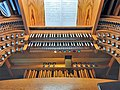 Saarbrücken-Burbach, Herz Jesu (Mayer-Orgel, Spieltisch) (1).jpg