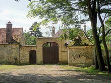 St-Jean-aux-Bois et les amants de St-Jean  220px-Saint-Jean-aux-Bois_%2860%29%2C_maison_foresti%C3%A8re_de_la_Muette_1