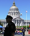 San Francisco, City Hall, Police officer. サンフランシスコ市庁舎 - panoramio.jpg