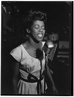 Sarah Vaughan, Café Society (Downtown), New York, N.Y., ca. Aug. 1946 (William P. Gottlieb 08801).jpg