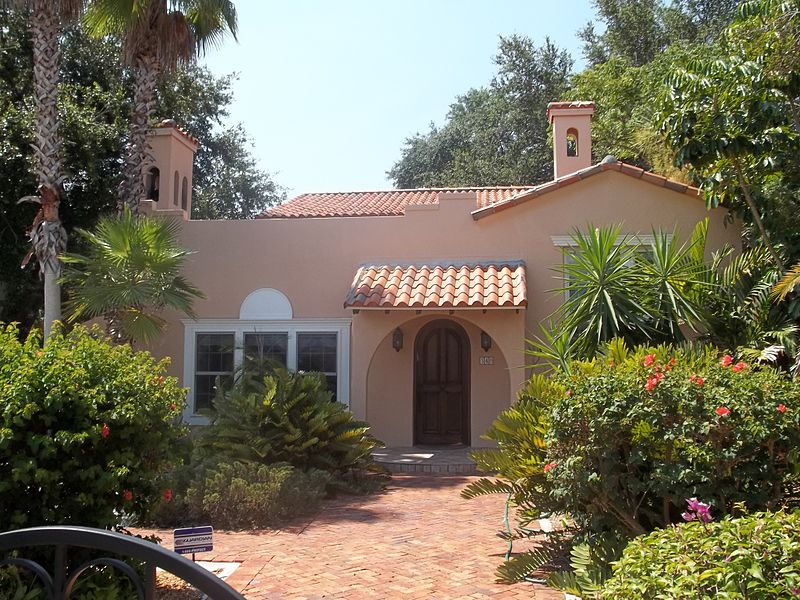 File:Sarasota FL Whitfield Estates Lantana Ave 340-02.jpg