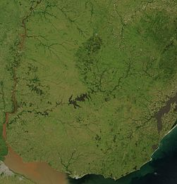 Satellite image of Uruguay in January 2004.jpg