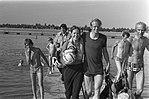 Schaatsers maken parachute-sprong bij paraclub Icaras, Bestanddeelnr 926-4873.jpg