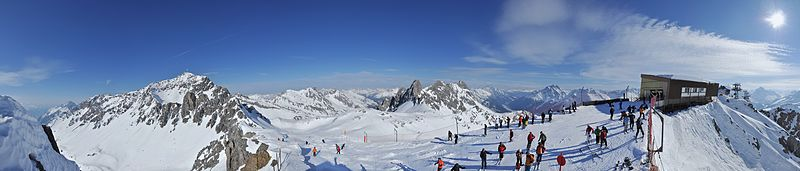 Schindlerspitze Pano.jpg Creative Commons, Wikipedia