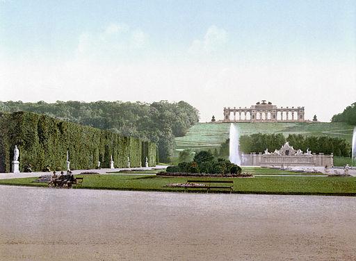 Schoenbrunn 1900