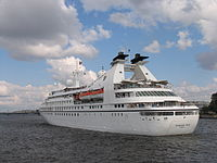 Seabourn Pride in Saint Petersburg 5.jpg