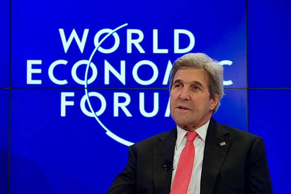 Secretary Kerry Speaks With New York Times Columnist Friedman at the World Economic Forum in Davos (32248768151).jpg