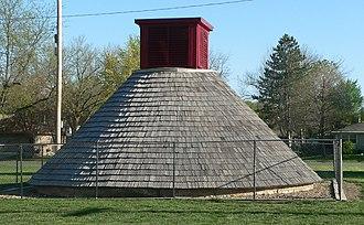 National Register of Historic Places listings in Nemaha County, Kansas - Image: Seneca, Kansas hand dug well from N 1