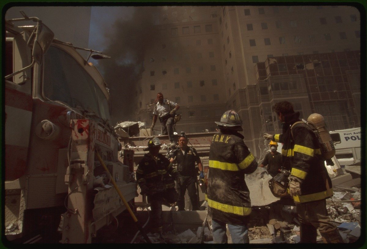September 11th terrorist attack on the World Trade Center LCCN2002717279 LC-A05-C22.tif