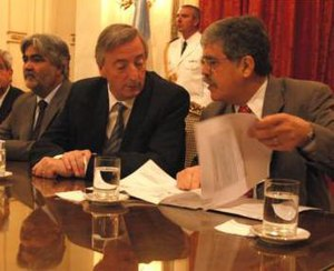 Sergio Acevedo - Sergio Acevedo (left) with Néstor Kirchner and Julio de Vido