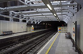 Shadwell railway station MMB 04.jpg