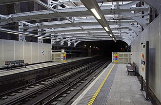 Shadwell railway station - Image: Shadwell railway station MMB 04
