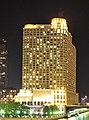 Sheraton Grand Chicago (at night).jpg