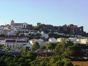 Taifa of Silves - View of Silves with its moorish castle.
