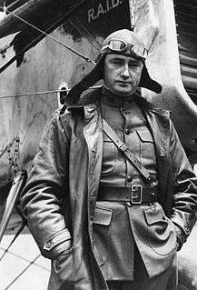 Lowell Smith American pilot