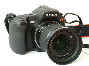 Sony Alpha 350 - Image: Sony a 350 with 18 70 kitlens