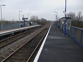 South Greenford stn look south.JPG